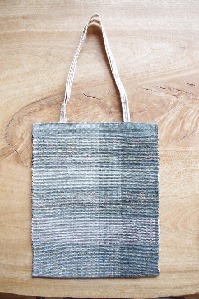 A4ファイルが入る、ブルーグレーのフラットバッグ(内側にポケットあり)③(再販売・柄違い) 木綿・裂き織り の画像1枚目