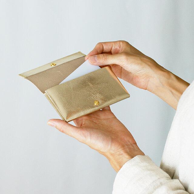 カードケース・ゴールド(イタリア産牛革 箔押し) コインケース・小物入れにも使えます◎ caducカデュックの画像1枚目