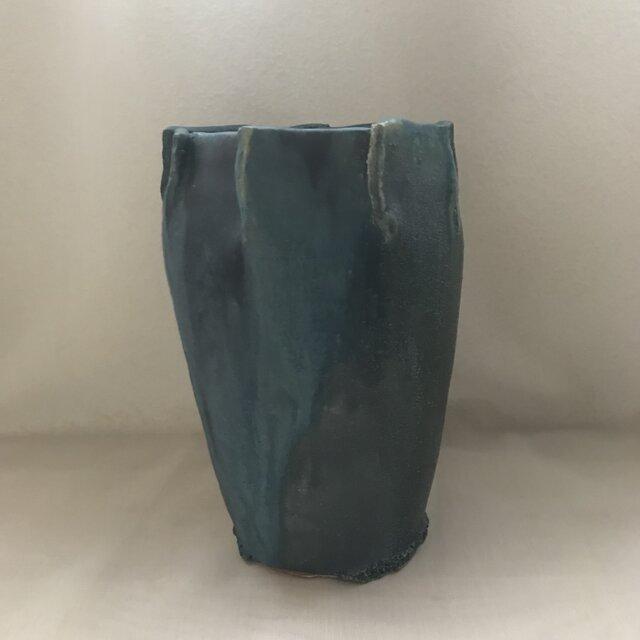 青銅釉の花器の画像1枚目