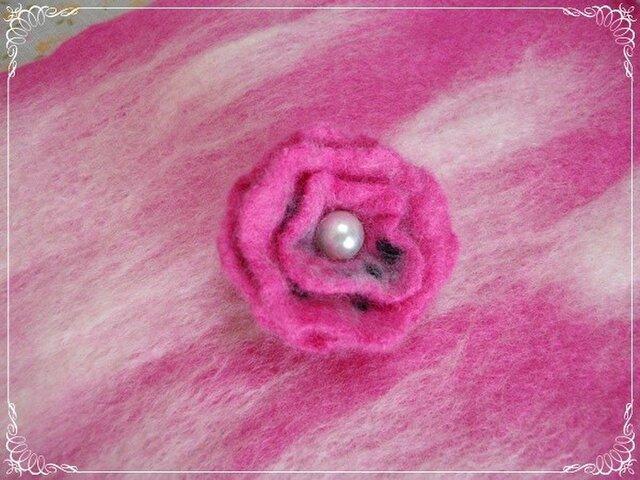 レトロな羊毛フェルトブローチ(P)の画像1枚目
