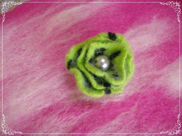 レトロな羊毛フェルトブローチ(G)の画像1枚目