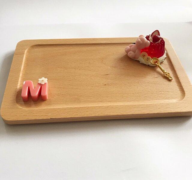イニシャル入り☆くまグミいちごゼリーのプレートの画像1枚目