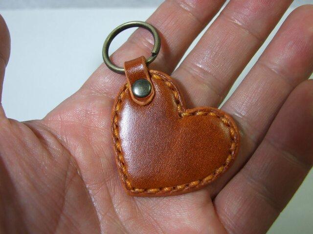 ルガトショルダー橙の小さいハートのキーホルダー の画像1枚目