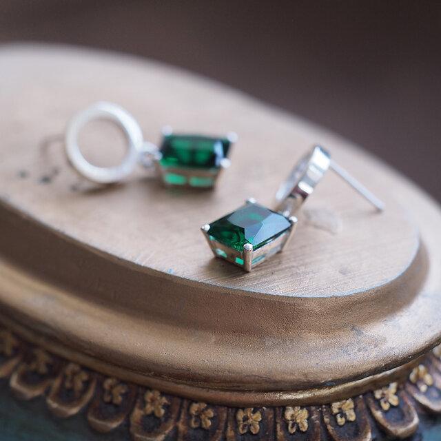 Emerald 丸 + 四角 ゆれる ピアス シルバー925の画像1枚目