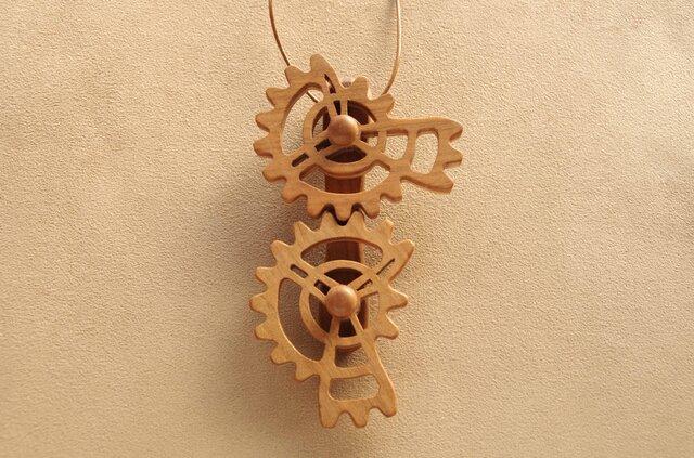 三段歯車のネックレスの画像1枚目