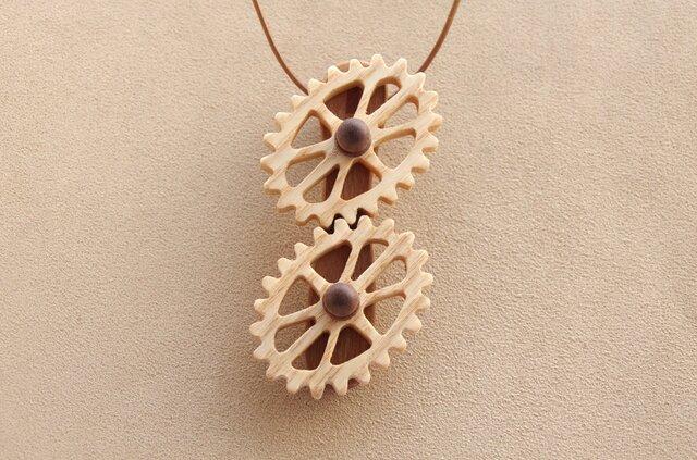 楕円歯車のネックレスの画像1枚目
