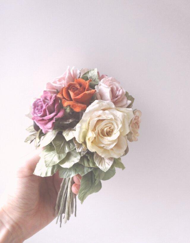ミニ薔薇のブーケ * ビロード製など * アレンジメント ガラスの画像1枚目