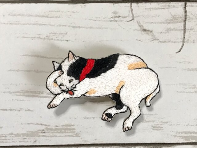 手刺繍浮世絵ブローチ*歌川国芳「たとえ尽の内」の猫の画像1枚目