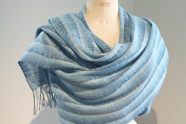 手織り ブルーのグラデーションによる広巾ショールの画像1枚目
