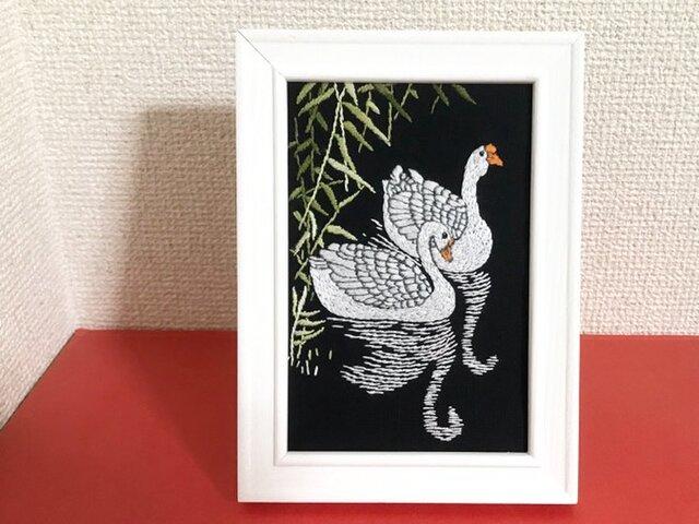 手刺繍浮世絵フレーム*小原古邨「芦に白鳥」の画像1枚目