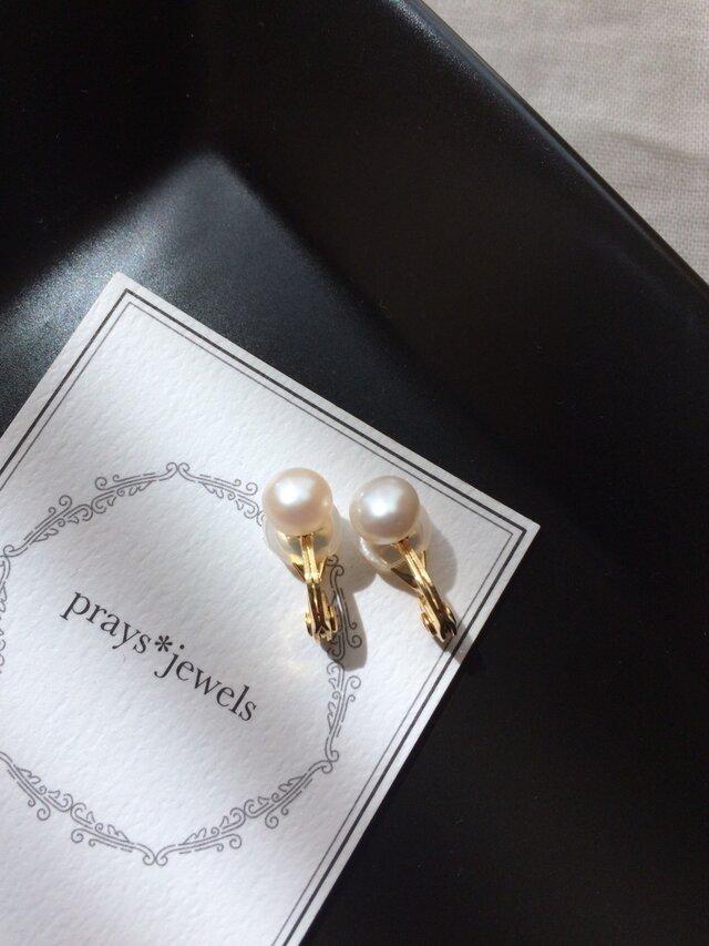 7mm 淡水パフコイン ソフトタッチ痛みなくしっかりとホールドのイヤリング!pearls earringsの画像1枚目