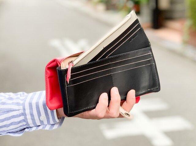 ▲F-PLUMP カッコイイ赤と黒使い方「フルプランプ 長財布」取り出せるスリム財布(FPW-RRKK-HKKR-KⅡ)の画像1枚目
