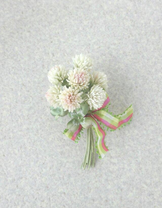 シロツメ草 クローバーの花束 * コットン製 * コサージュの画像1枚目