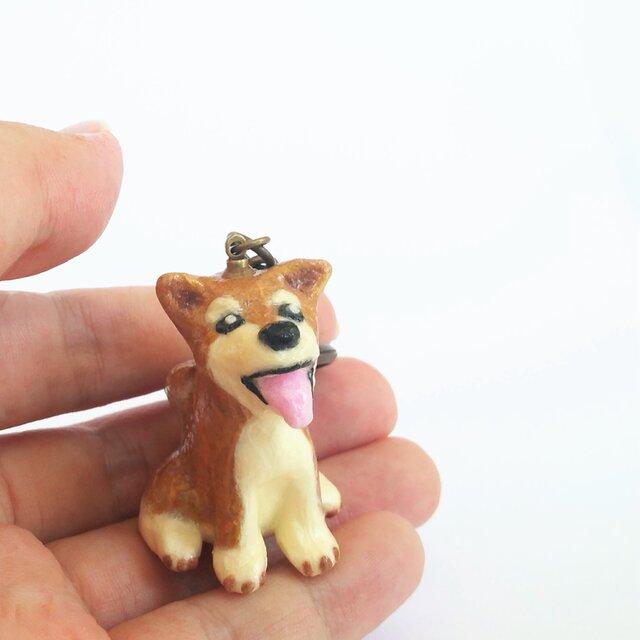 和紙で色付けした 柴犬 のキーホルダーの画像1枚目