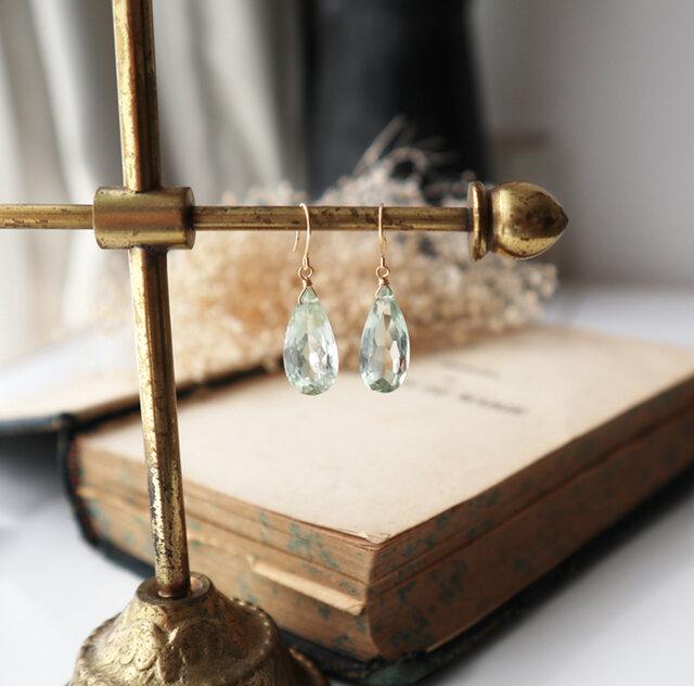 【K18】宝石質グリーンアメジストの一粒ピアス(ペアシェイプミレニアムカット)の画像1枚目