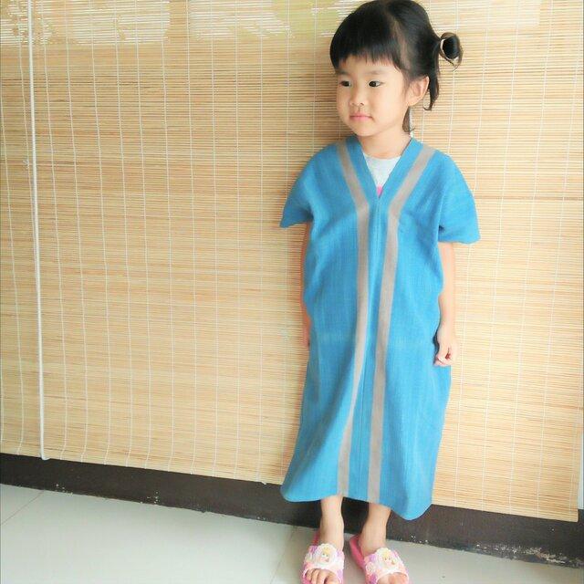 タイの草木染め&手織りワンピース 藍色 ライン(キッズ、コットン、送料無料)の画像1枚目