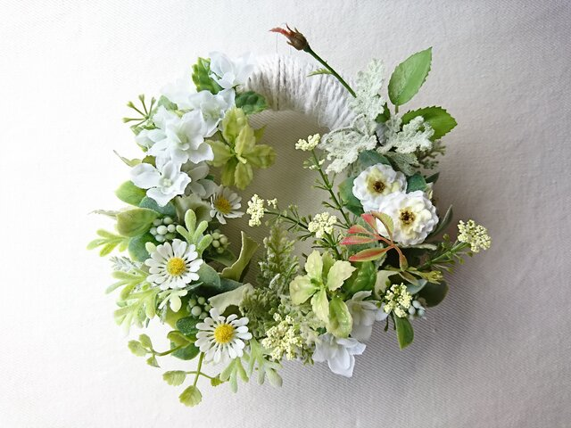white & green wreathの画像1枚目