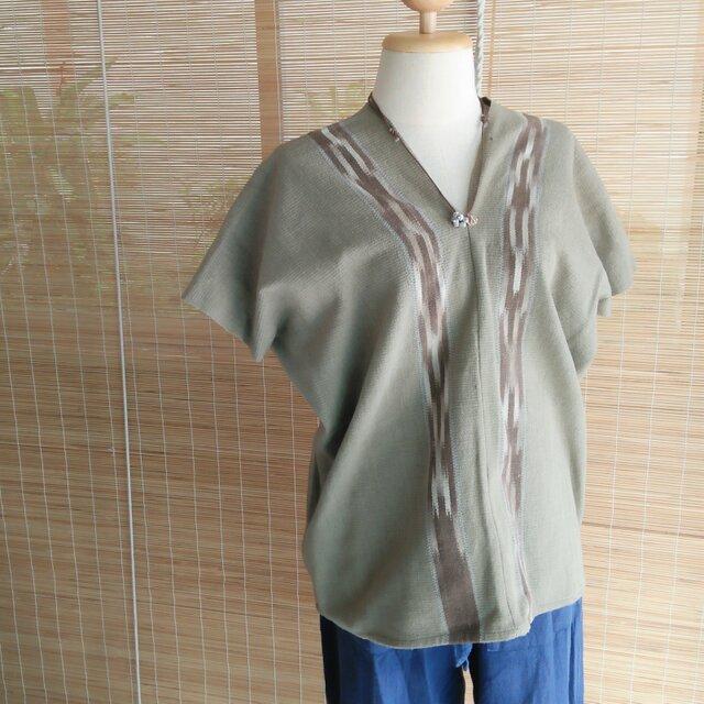 タイの草木染め&手織りトップス モスグリーン かすり染め(送料無料、ユニセックス・メンズ、コットン)の画像1枚目