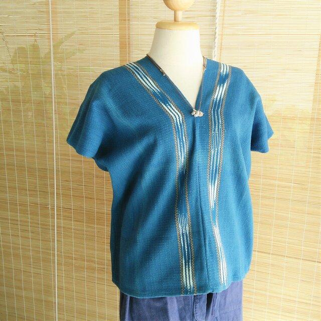 タイの草木染め&手織りトップス 藍色 かすり染め(送料無料、コットン)の画像1枚目