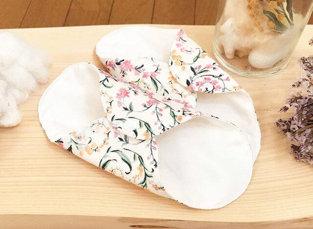 シルクのふだん使いの布ナプキン リュクス シルクライナー whiteの画像1枚目