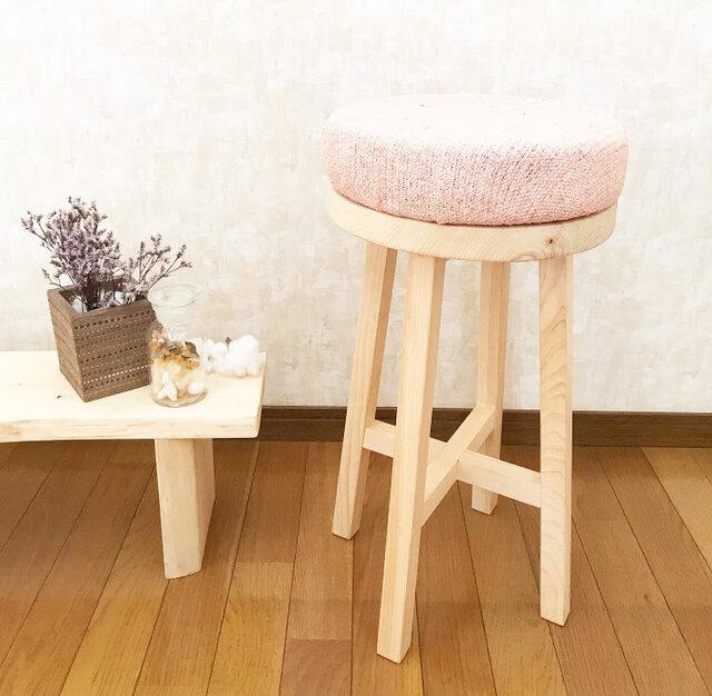 ☆サマーセール☆ 絹100% 手織り草木染め きびそ布のヒノキのスツール(ピンク)の画像1枚目