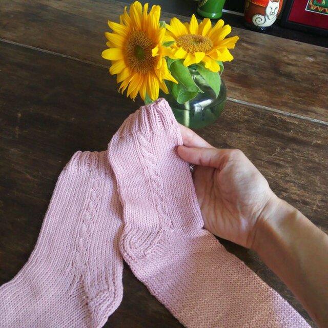 コットン100%・ピンクの手編み靴下★ソックス★冷え対策★夏糸の画像1枚目