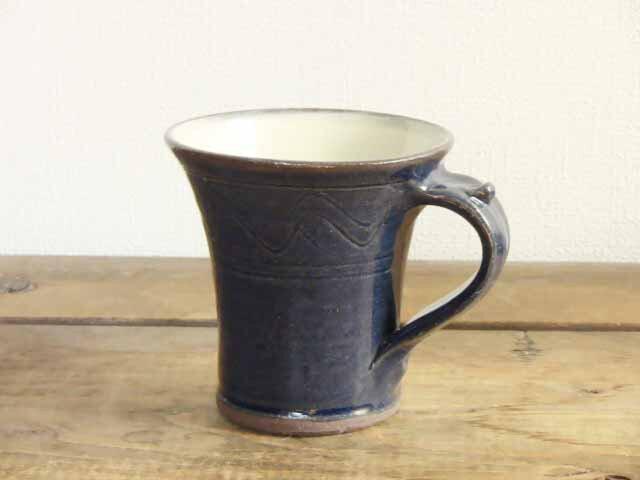 櫛目のマグカップ(呉須)の画像1枚目