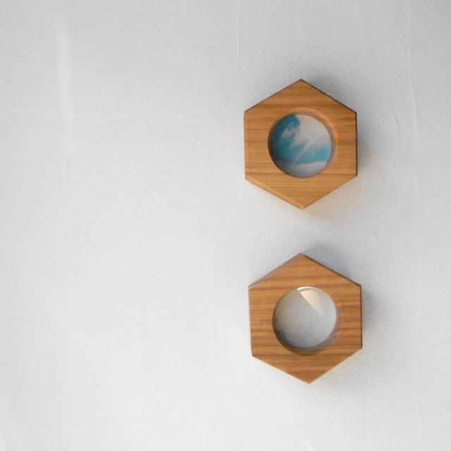 小さな窓の向こう ソメイヨシノ の画像1枚目