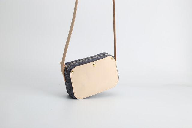 「帆布×革の組み合わせ」手作りのお出かけショルダーバッグの画像1枚目