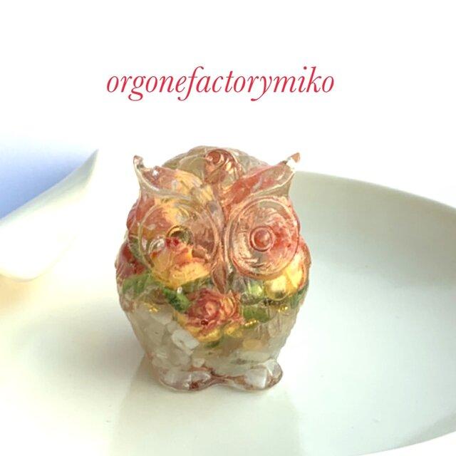 繁栄 癒し 幸福フクロウ 翡翠 ムーンストーン 幸運メモリーオイル入り オルゴナイト の画像1枚目