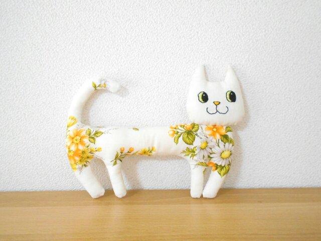 ほそーい猫3 お花畑からこんにちはの画像1枚目