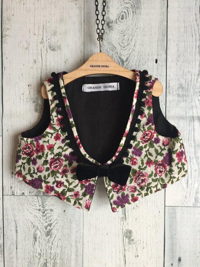 ダッフィーサイズのお洋服 ゴブラン織り風の花柄ベストの画像1枚目