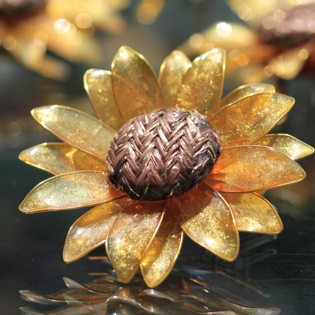 太陽の花ひまわり ブローチ (ヘアクリップ付)の画像1枚目