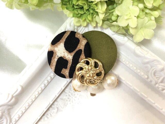 豹柄 レオパード ×シンプルカラーとコットンパール ポニーフック〈カーキ〉の画像1枚目