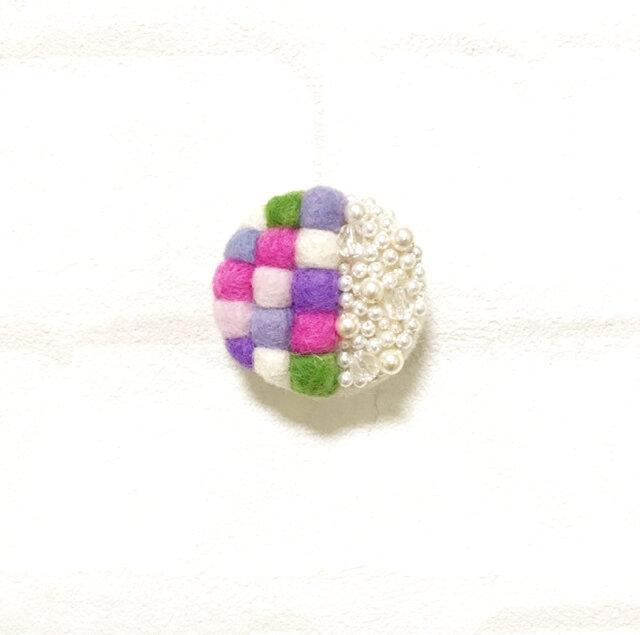 【ライラック】羊毛mosaic丸ブローチの画像1枚目