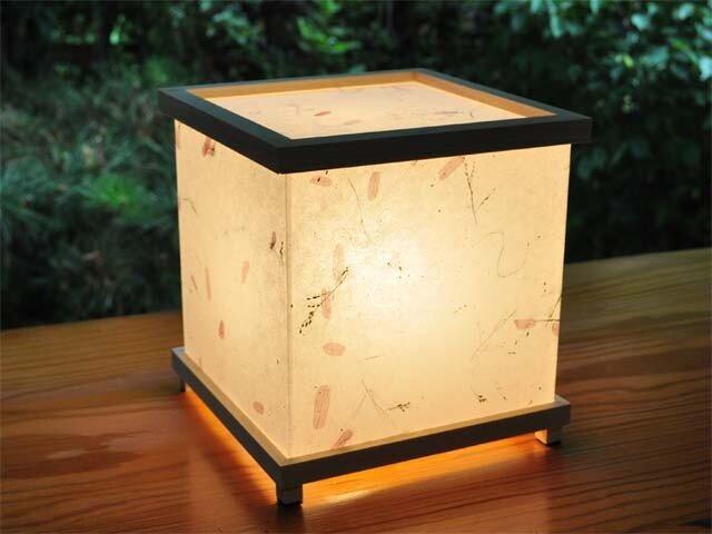 灯り箱 野の花 檜 LED15の画像1枚目