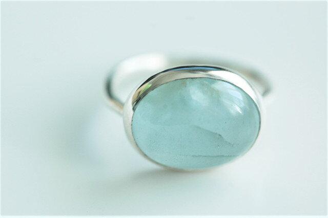 大粒アクアマリンの指輪の画像1枚目