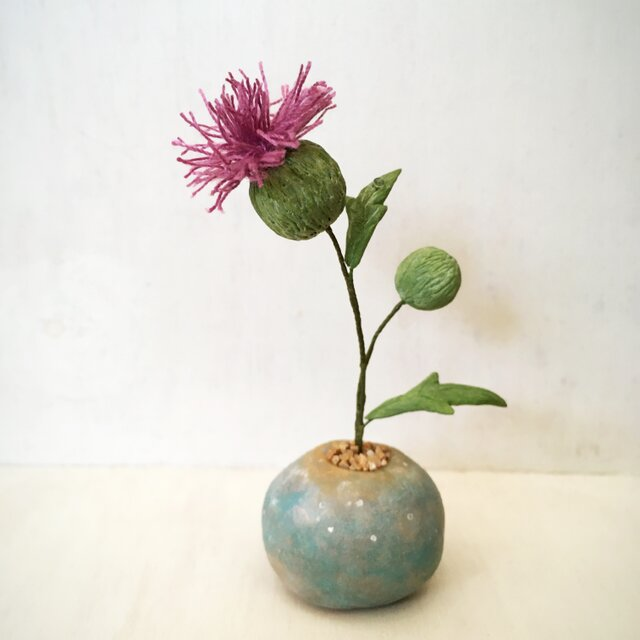 3134.bud 粘土の鉢植え アザミの画像1枚目