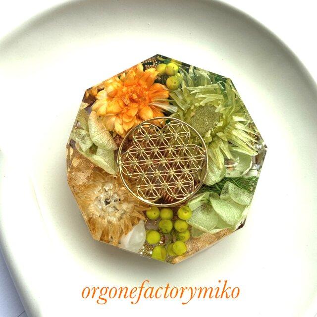 ☆コースター型 ケオン 六芒星 フラワーオブライフ 幸運メモリーオイル入り 幸運 金運 浄化 オルゴナイトの画像1枚目
