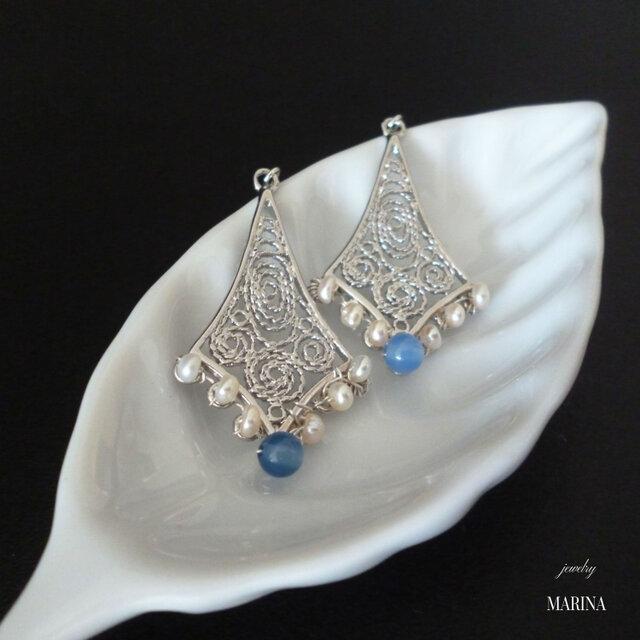 フィグリー細工のピアス - blue silver (イヤリング変更可)の画像1枚目