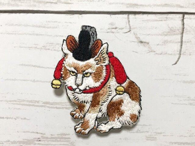 手刺繍浮世絵ブローチ*河鍋暁斎「鳥獣戯画 鼠曳く瓜に乗る猫」よりの画像1枚目