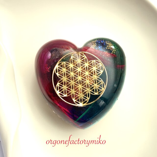 ♡ウィング 花形フラワーオブライフ ケオン 六芒星 高波動 パワフル ハート型オルゴナイトの画像1枚目