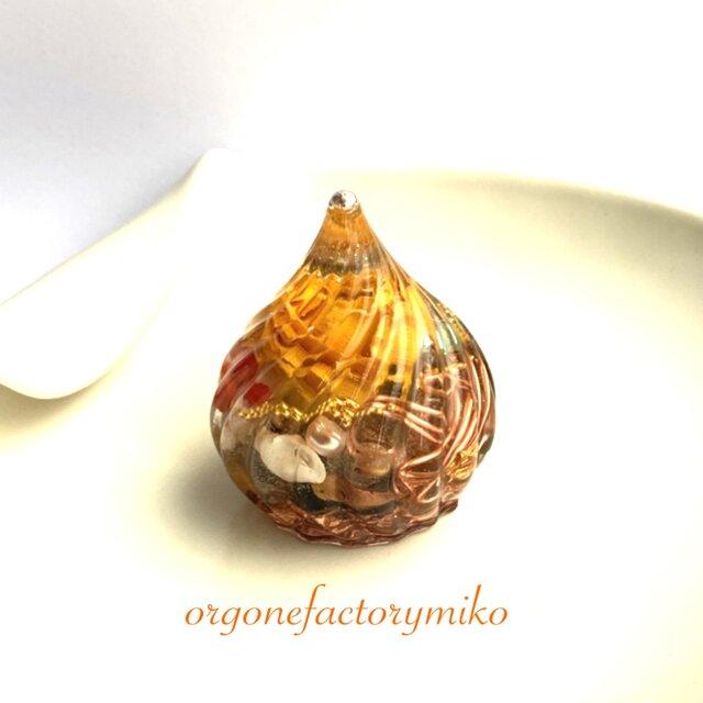 中チンターマニ 高波動 ケオン入り 金運 幸運 仕事運 黄色いバラ メモリーオイル入り オルゴナイトの画像1枚目