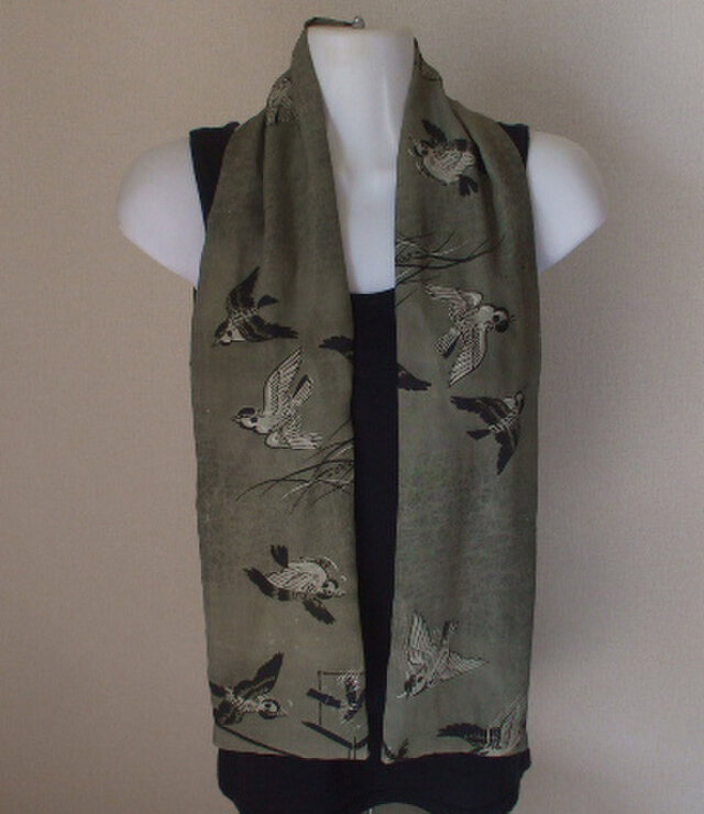 アンティーク男性用長襦袢から雀が飛ぶストール 絹の画像1枚目