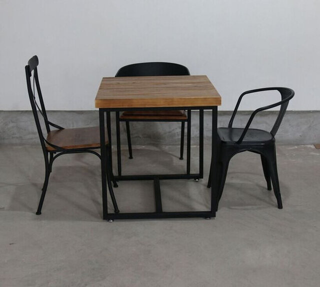 受注生産 職人手作り アイアンウッド カフェテーブル テーブル デスク 天然木 木目 インダストリアル 家具 おしゃれの画像1枚目