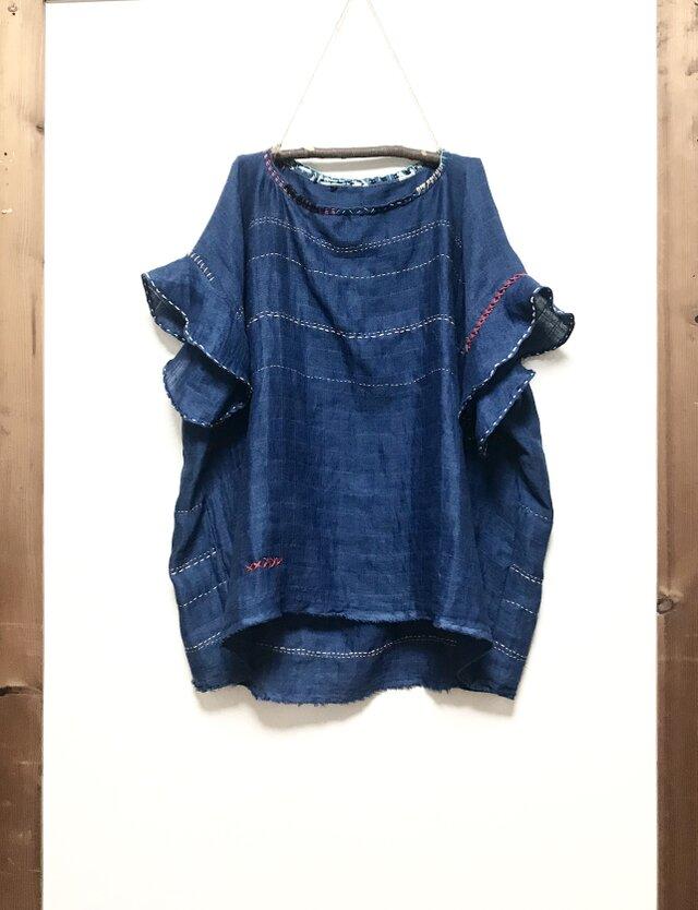 藍染 手刺繍プルオーバー フリル付きの画像1枚目