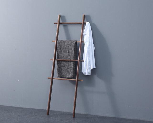 受注生産 職人手作り はしご 北欧 シンプル ウォールナット コートラック 天然木 木目 家具 木製 モダン おしゃれの画像1枚目