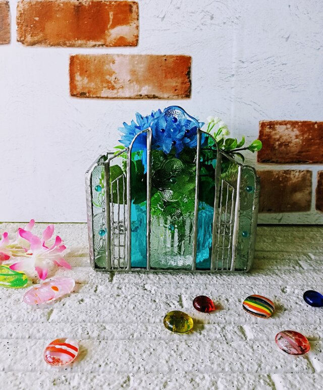 【小さな街にある教会 ガラスオブジェ「カラー:青色」】❇️キャンドルBox ❇️レターBox❇️小物入れBoxの画像1枚目