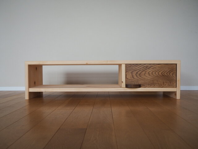 桧が香る無垢材木製TVボード / オーク引き出しの画像1枚目