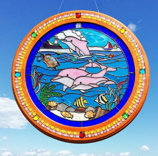 【仲良く泳ぐピンク親子イルカと熱帯魚とカメの海物語】❇️壁掛けの画像1枚目